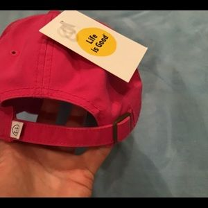 """Life Is Good Accessories - Life is Good ball cap NWT """"Here Comes The Sun"""" OS"""